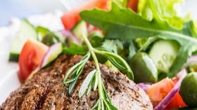 Quels sont les bénéfices et les limites d'une diminution de la consommation de viande ?
